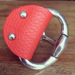 Bracelet cuir corail demi-jonc mors articulé