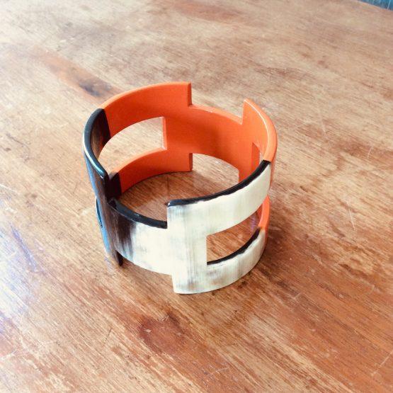 Bracelet corne large
