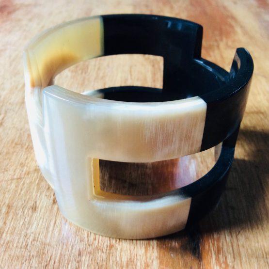 Bracelet corne